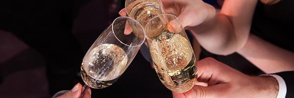 0206 01 本当に「お得」なパーティーづくり 賢い飲み放題の利用法