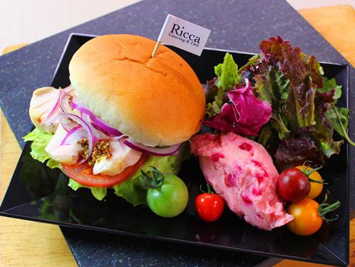 鶏胸肉バーガー 日本橋三越本店で期間限定カフェの出店